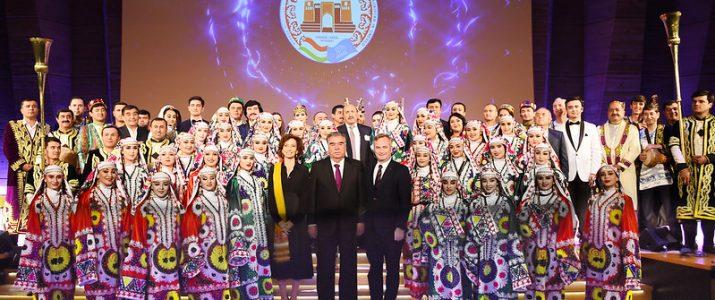 Лидер нации Эмомали Рахмон принял участие в церемонии открытия Дня культуры Таджикистана в ЮНЕСКО